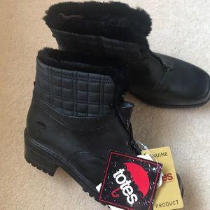Genuine Totes waterproof black boots